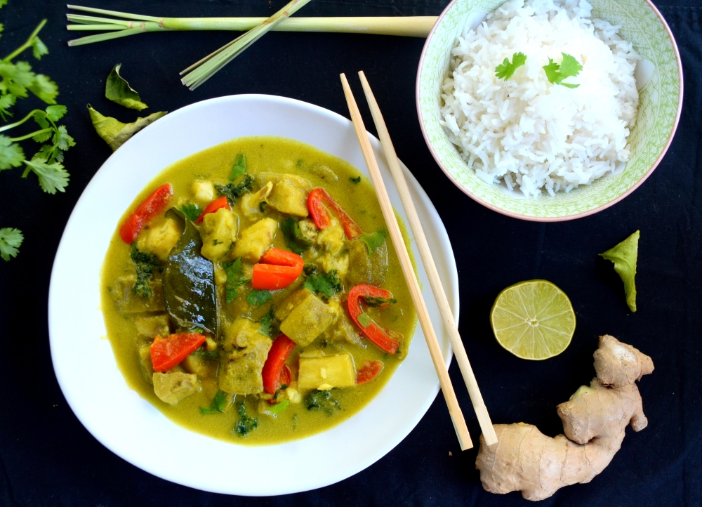 Thai Green Curry With Aubergine And Kale {Homemade Curry Paste}