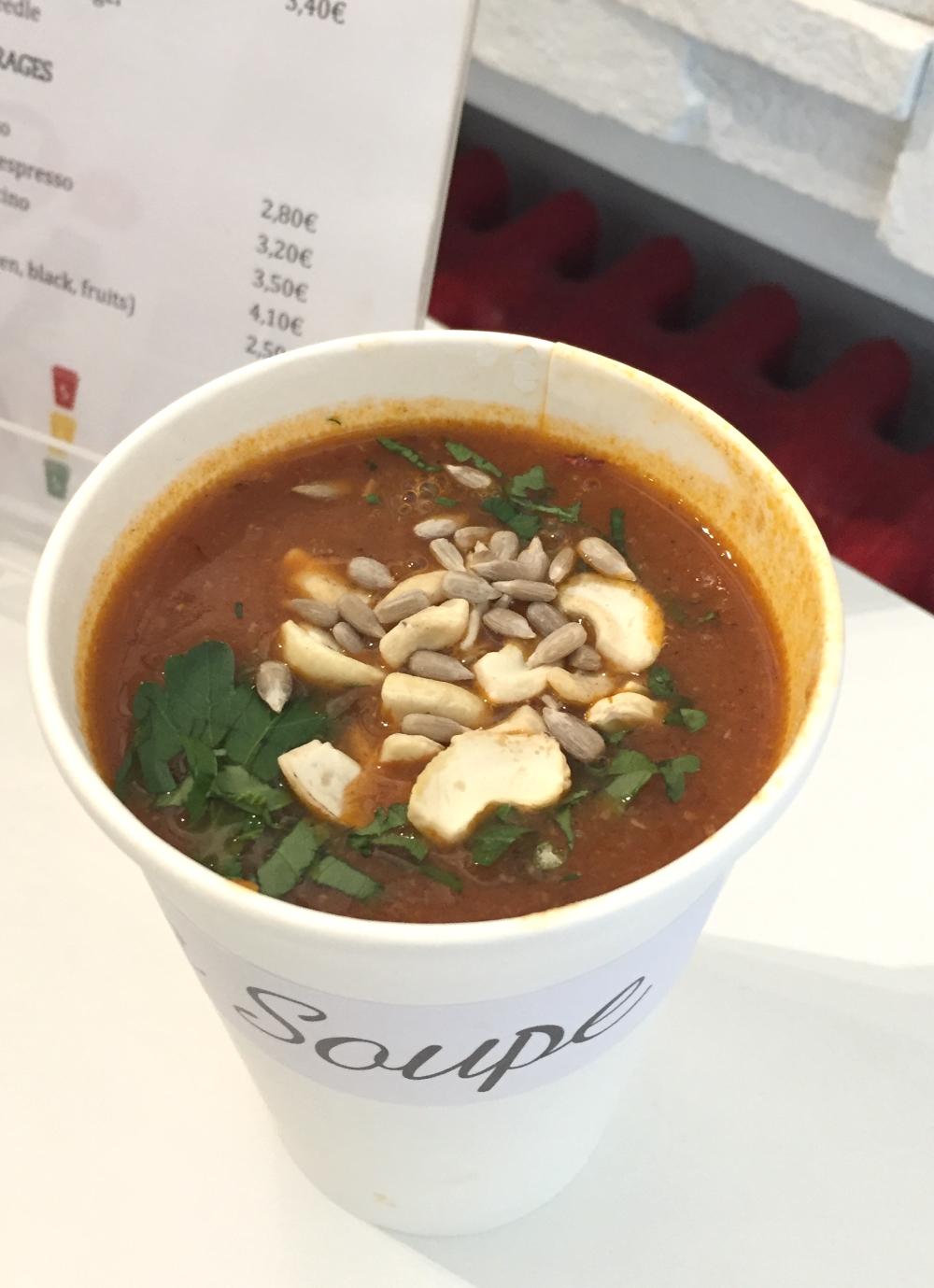 La-soupe-healthy-soup-bar-in-helsinki-gluten-free-dairy-free-vegan-soups2