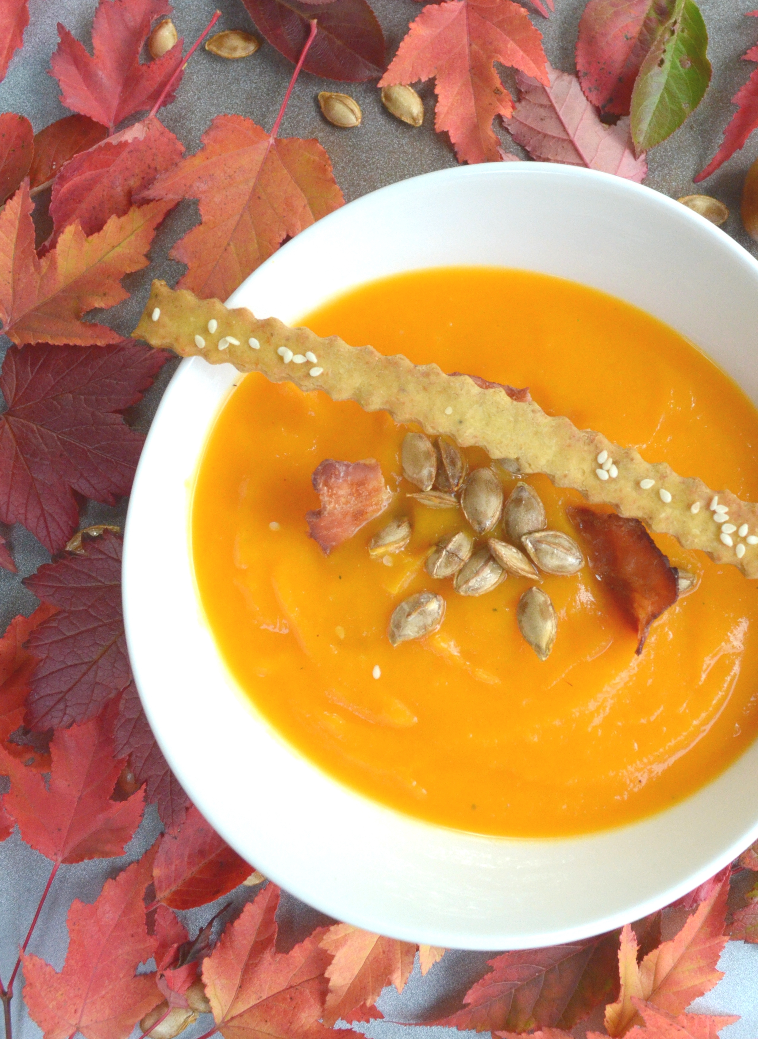 roasted-butternut-squash-soup-with-bacon-chips-grissini