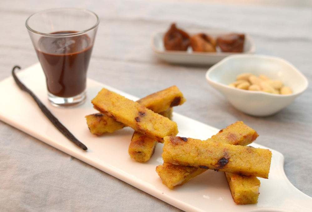 crisp-sweet-polenta-with-dry-fruits-and-chocolate-dip-52
