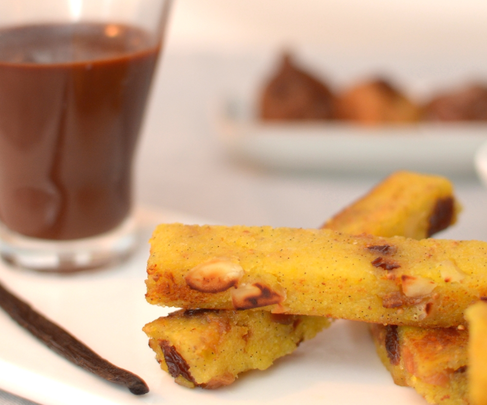 crisp-sweet-polenta-with-dry-fruits-and-chocolate-dip-9