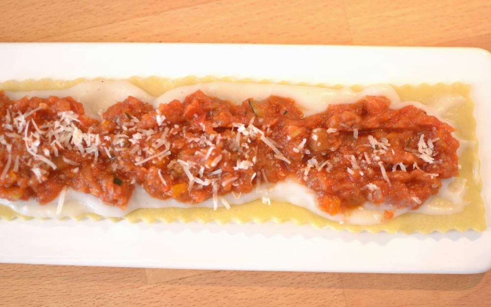 meditteranean-veggies-lasagna-roll-ups-with-bechamel-6