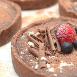 No-Bake Spicy Chocolate Ganache Tart {Vegan}